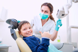 child at the dentist's